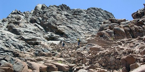 вершина-горы-синай-джабал-муса